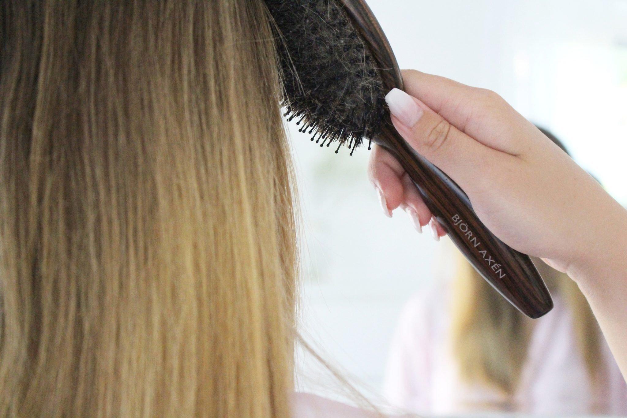 Värmeskydd är superviktigt att använda innan man utsätter håret för värme!  Det funkar lika bra med ett vanligt spray som med en hårolja. baaaacaedcff1